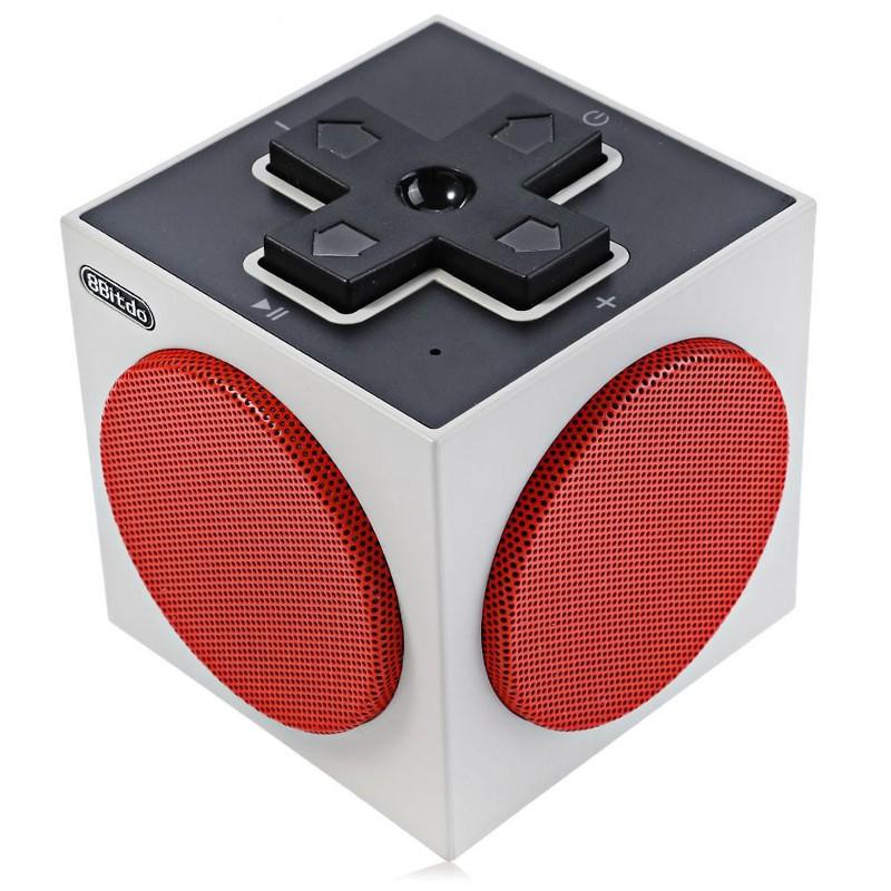 Altavoz Bluetooth 8Bitdo Cube Speaker - Vista cenital; zona delantera (cruceta a modo de botones de reproducción)