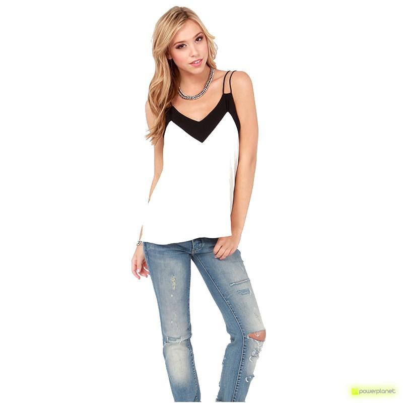 Blusa Branca com V-neck