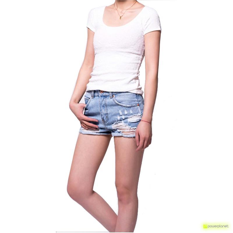 T-shirt branca de manga curta
